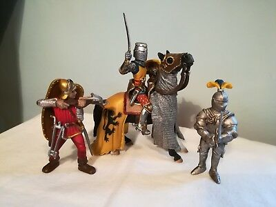Schleich - Knight on horse with an archer and armoured Knight