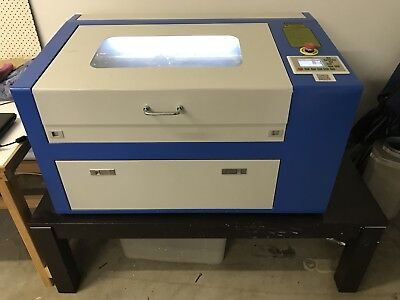 Laser cutting Machine Co2 50w (50cm X 30cm Bedsize) Plus Table