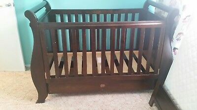 Boori sleigh cot and change table