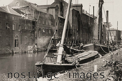 Photo Taken From A 1920 Image Of Traditional Wherry - Carrow Row - Norwich