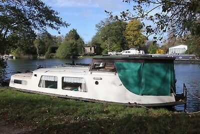Classic Dutch Barge, houseboat, liveaboard, widebeam, recent hull survey