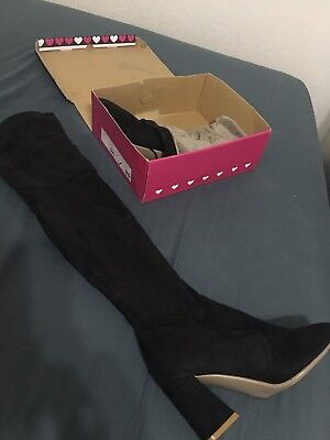 Women's Boots 5 Mix styles Size 11
