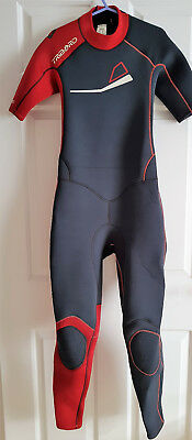 Childrens/teens Tribord  Wetsuit Age 10-12 Years  Chest  28-30 Inches