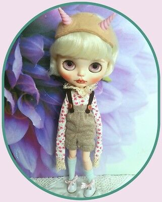 *Blythe doll extra long sleeve outfit*   **  NO DOLL  **