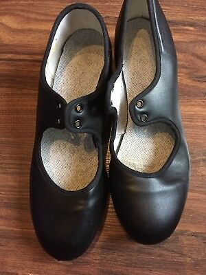 Girls Black Tap Shoes Size 3 1/2