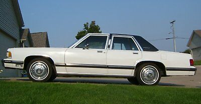 1988 Mercury Grand Marquis  1988 Mercury Grand Marquis