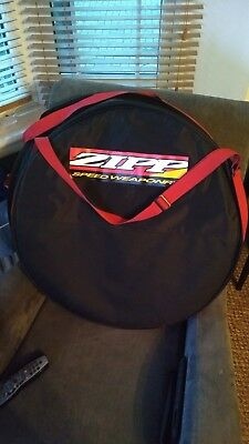 A pair of Zipp Single Wheel Bag with shoulder strap (x2)