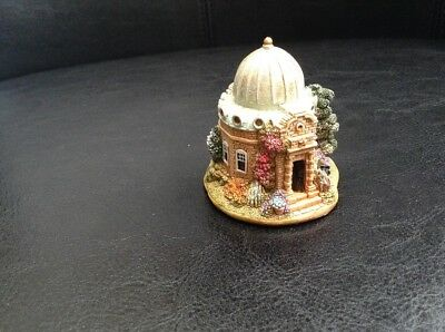 Lilliput Lane Retired -Look to the Stars - British Collection 2003
