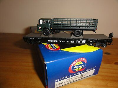 HO wagon plat 40' ATHEARN RTR  Northern Pacific avec chargement