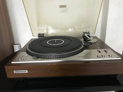 Pioneer pl-530 turntable with pioneer sx-750 stereo amplifier