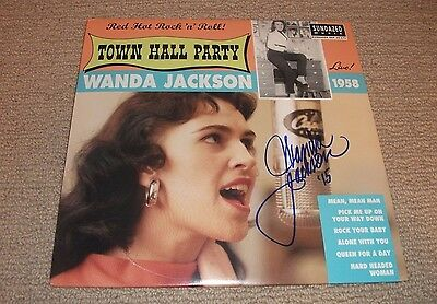 "WANDA JACKSON - SIGNED ""Live at Town Hall Party 1958"" 10"" VINYL LP RECORD!"