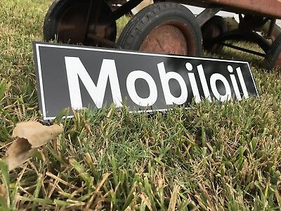 Antique Vintage Old Style Mobil Oil Sign **Blemish**