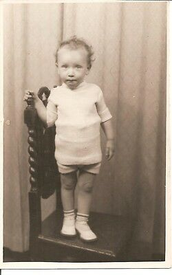 VINTAGE REAL PHOTO POST CARD - Lovely little child
