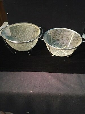 VINTAGE Colander -Strainer - Metal Wire Mesh- Very Good Condition