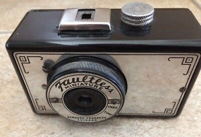 Vintage Bernard Products Chicago 'Faultless Miniature' Camera. Circa 1947
