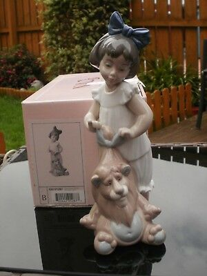 """RETIRED NAO by LLADRO FIGURINE  """" MY LOVELY LION """"  #1287 - (damaged) - boxed"""