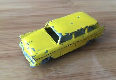 MATCHBOX No 31 AMERICAN FORD STATION WAGON MADE IN ENGLAND BY LESNEY