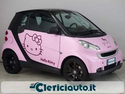 SMART ForTwo 1000 52 kW MHD coupé by Hello Kitty