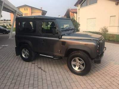 LAND ROVER Defender 90 2.2 TD4 Station Wagon Adventure Edition N