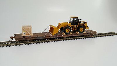 HO Scale Model Railroads & Trains - Freight Cars - CAT Front Loader
