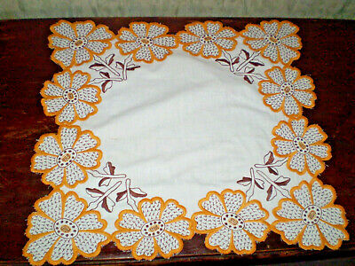 Beautiful-Vintage-Hand-Embroidered-Cotton-Tablecloth-with-Sunflowers