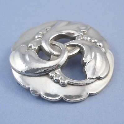Vintage sterling silver Georg Jensen brooch leaf & berry wreath design 20, 15.9g
