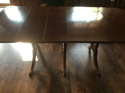 Versatile Antique Watertown Slide Dining Table with Leaves