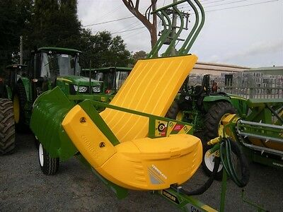 Hustler Chainless X5000 Round & Square Bale Feeder Bale Wagon/Feedout
