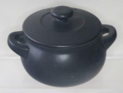 Denby Pottery Jet Black Pattern Mini Casserole Dish with Lid made in Stoneware
