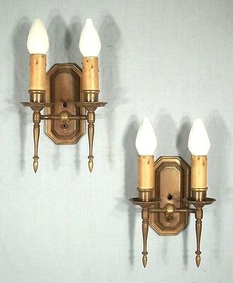 PAIR OF EARLY 20th CENTURY CLASSICAL ADAMS DOUBLE ARM BRASS SCONCES