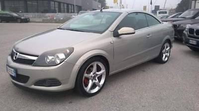 OPEL Astra TwinTop 1.6 16V Twinport Cosmo