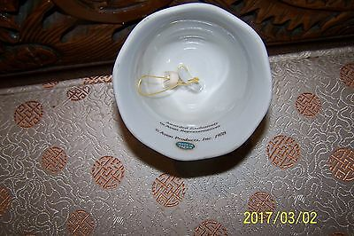 """Currier and Ives Dinner Bell 5.25"""" porcelain by Avon 1978 Japan"""