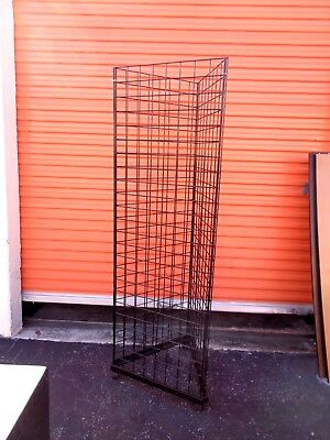 Floor Standing 3 Sided Triangle Wire Grid Panel Rolling 2' x 6' Tower Display JB