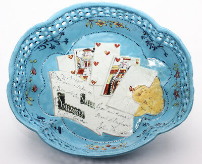 English enamel card tray, trompe l'oeil of cards, guineas and £100 bank note, c.