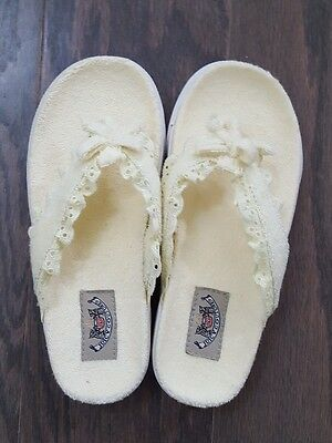 NEW in BOX Juicy Couture Light YELLOW Flip Flop Sandals Size1 Terry Summer Shoes