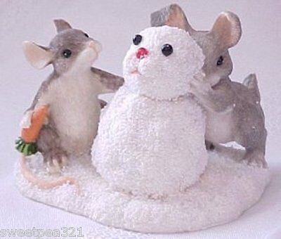 Charming Tails Building a Snowbunny (Mouse/Rabbit) [Retired/Signed by Artist]