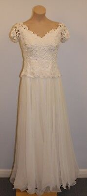 MED, ORIGINAL VINTAGE 1970s LACE WEDDING DRESS. COTTON LACE,NYLON & POLYESTER