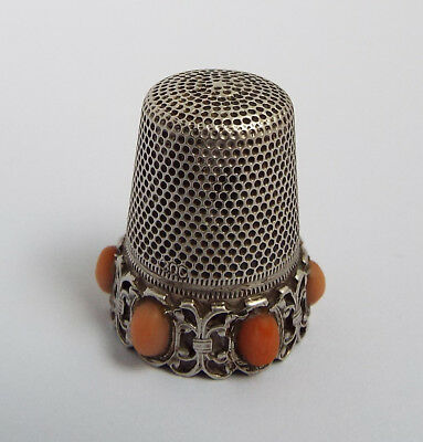 BEAUTIFUL RARE ANTIQUE 19TH CENTURY SOLID SILVER & CORAL SEWING THIMBLE c1890