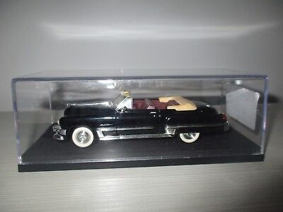 Cadillac Coupe' Deville 1949 Road Signature Scala 1:43