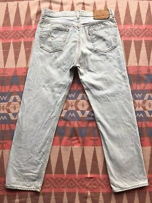 Vtg Levi's 501 Jeans Red Tab 90's Light Blue Denim 32x30 Made In USA Button Fly