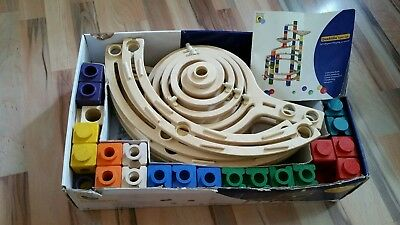 Hape quadrilla Twist Set