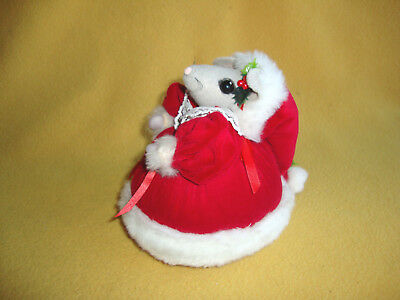 Handmade Fabric Mrs. Santa Mouse Figurine from Petrats