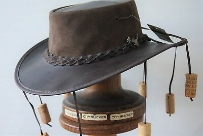 Buffalo Leather 9 Cork Hat Brown with chinstrap Badge on hat band AUSSIE CLASSIC