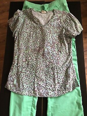 Small Green Leopard Print Scrub Top With Mathching Green Extra small tall pants