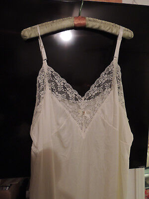 Perfectform Intimates Womens slip in Ivory with adjustable straps size 46