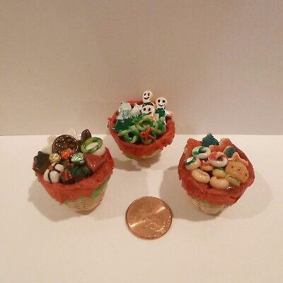 Set Of 3 Miniature Baskets Filled With Christmas Goodies (Treats)
