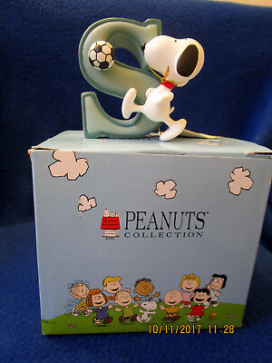 """Westland Peanuts Figurine – """"S"""" Snoopy With Soccer Ball"""