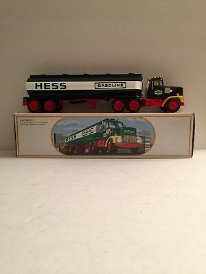 Vintage Hess 1985 Toy Truck Bank Gasoline Tanker Original Box In GREAT CONDITION