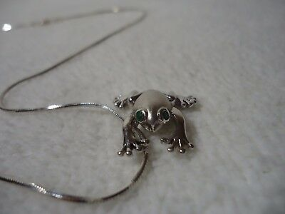 925 Sterling Frog With Emerald Eyes Necklace .... Nice