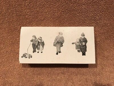 Dept 56 Dickens Village Heritage Christmas in the park 58661 RETIRED
